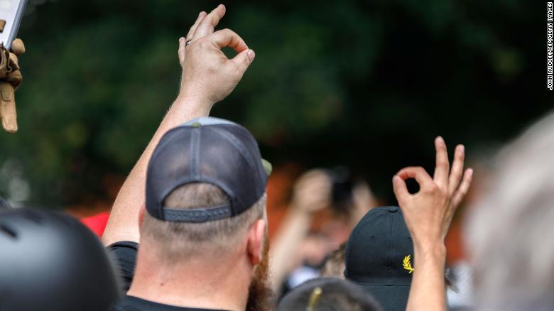 「OK」のサインは白人至上主義のシンボルに