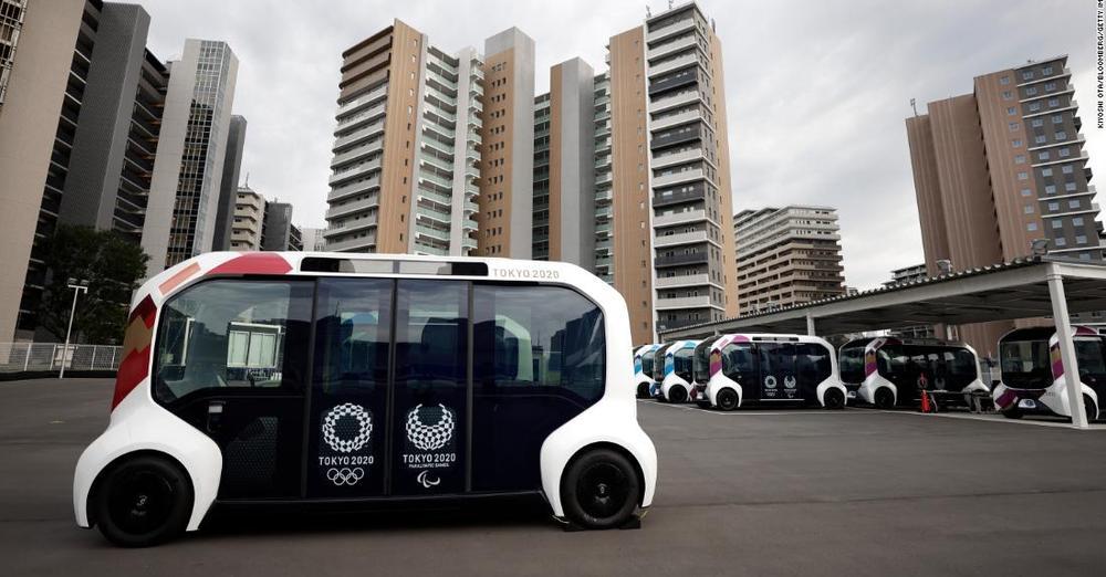 トヨタの自動運転車、パラリンピック選手と接触事故